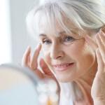 Patarimai renkantis veido kremą brandžiai odai